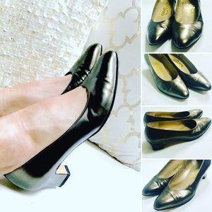 Salvatore Ferragamo Heels Sz 7M EUC ITALY Leather